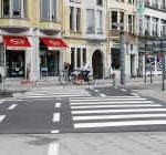 Uit De Standaard : fietspad of zebrapad?
